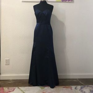 Dresses & Skirts - Navy fitted satin gown